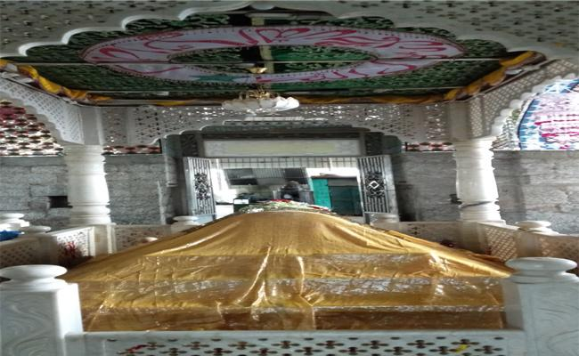 Khadar Linga Swami Is Great Man Has No Religious Feeling - Sakshi