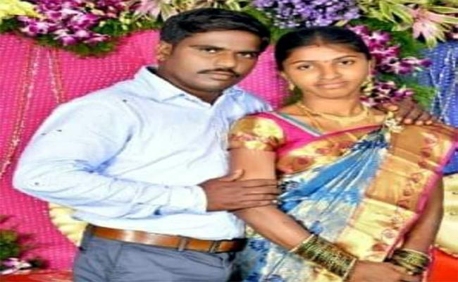 Wife Attempts Suicide For Husband harassment In Ramagundam - Sakshi
