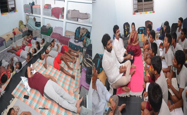 East Godavari Collector Stay One Night With Hostel Students - Sakshi