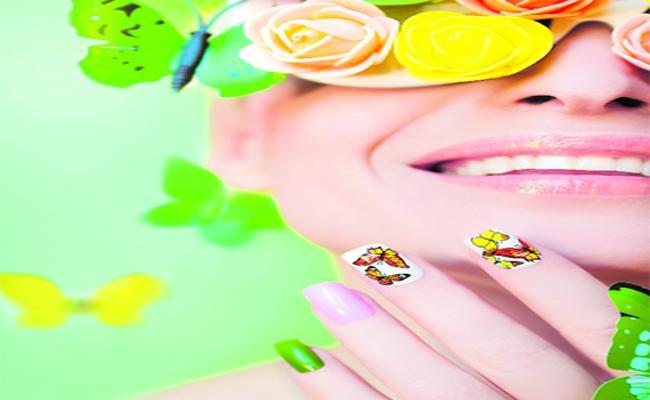 Nail Art Designs In Funday - Sakshi