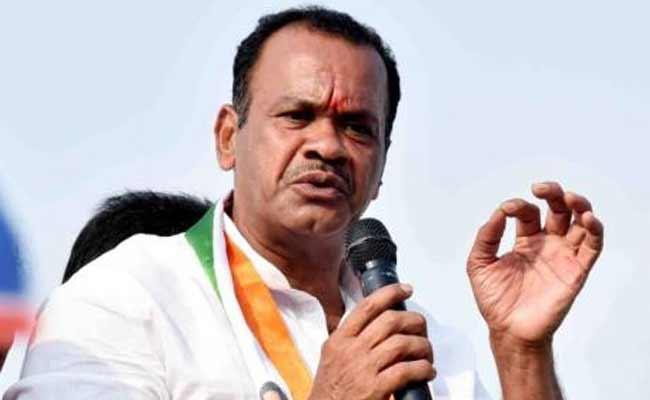 Congress MP Komatireddy Venkat Reddy Fires On KCR - Sakshi