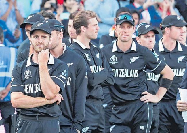 Kane Williamson takes NZ to verge of history - Sakshi