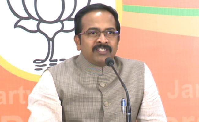 BJP Leader Krishna Sagar Rao Fires On KCR - Sakshi