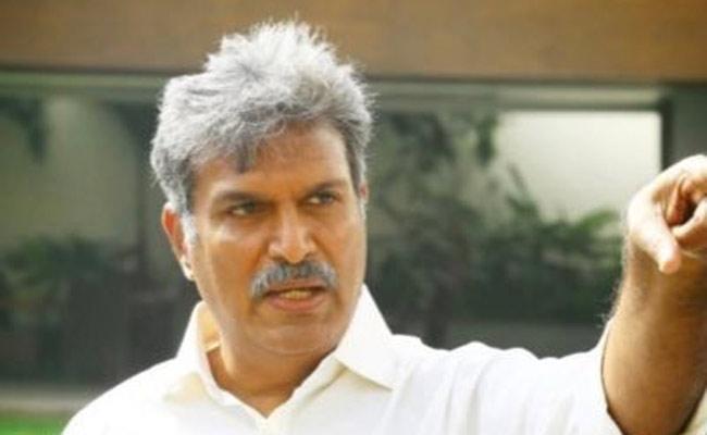 Kesineni Nani Continues Twitter War - Sakshi