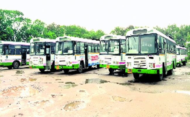 Expired Buses Are Using For Transportation In Husnabad Bus Depot - Sakshi