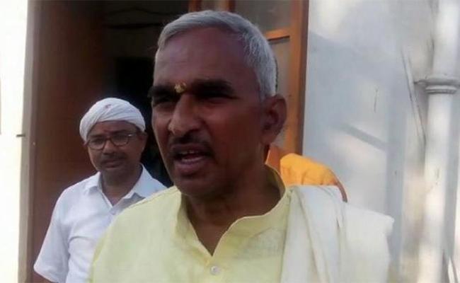 BJP MLA Surendra Singh Says Muslims Having Several Wives Children Have Animal Tendency - Sakshi