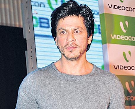 Shah Rukh Khan to produce horror series for Netflix - Sakshi