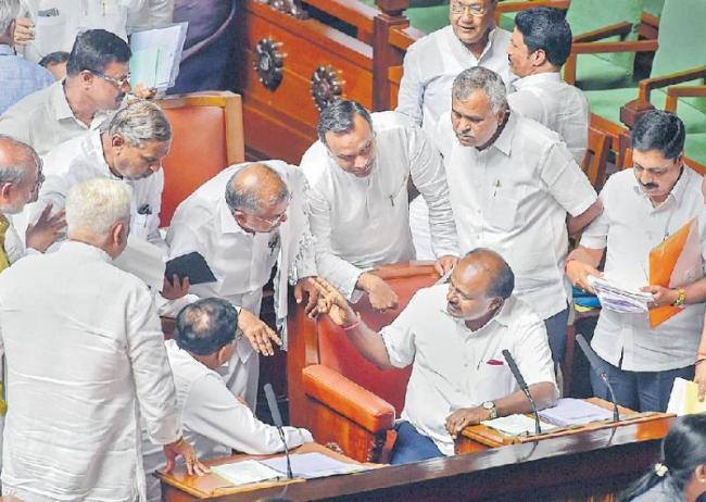 Kumaraswamy govt to face confidence motion on July 18 - Sakshi