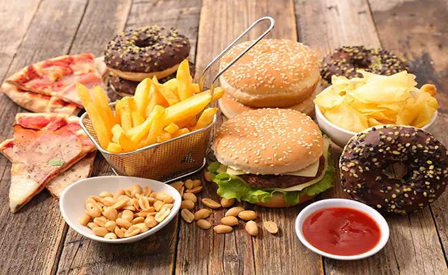 Special Story About How Junk Food Becoming Danger To Children Health - Sakshi