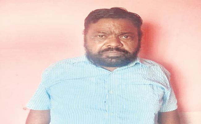 Rape Attempt On 5 Year Girl In Vikarabad  - Sakshi