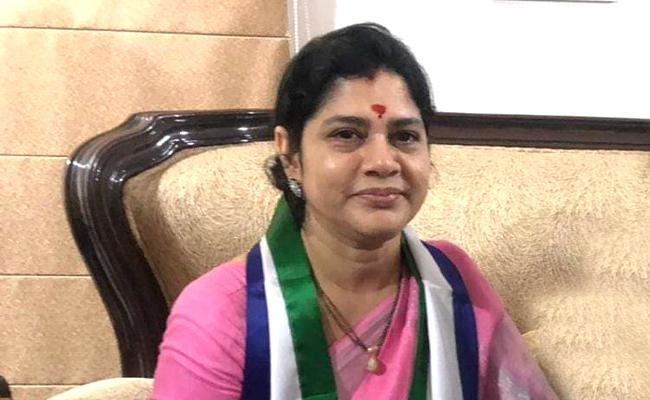 Thota Vani Denies News Quitting YSR Congress Party - Sakshi