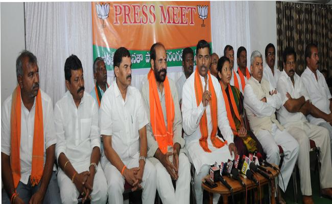 Many other Party candidatesTouch with BJP - Sakshi