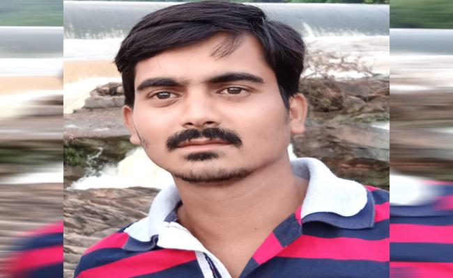 Depressed Man Committed Suicide After Brother Death In Mahabubabad - Sakshi