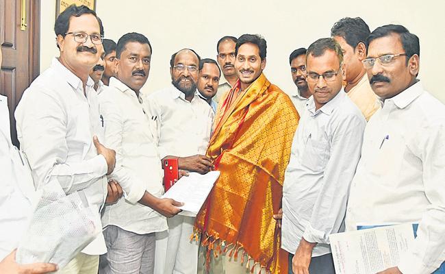BC Welfare CM YS Jagan Mohan Reddy Said By R Krishnaiah - Sakshi