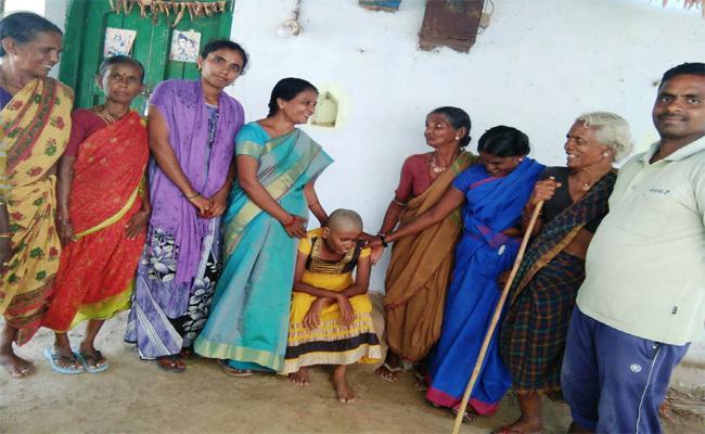 ICDS Officer Jioned Orphan In Sakhi Center - Sakshi