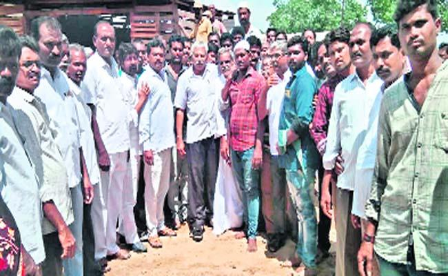 The TDP is in the Midst of an Uproar Among the Castes in Anantapur - Sakshi