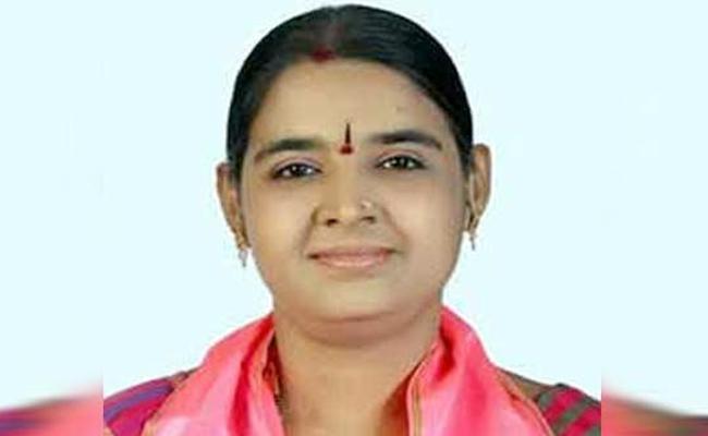 High Court Relief to TRS Kachiguda Corporater Yekkala Chaithanya  - Sakshi