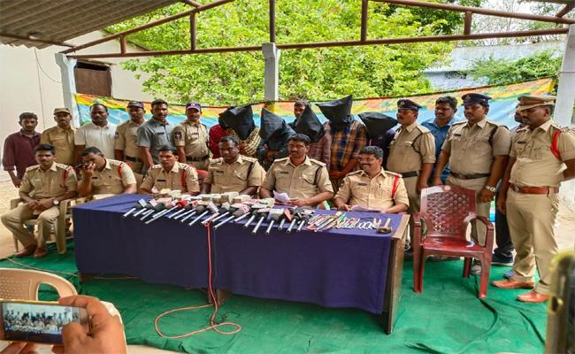 Arrest of Cell Tower Battery Robbers in Nalgonda - Sakshi