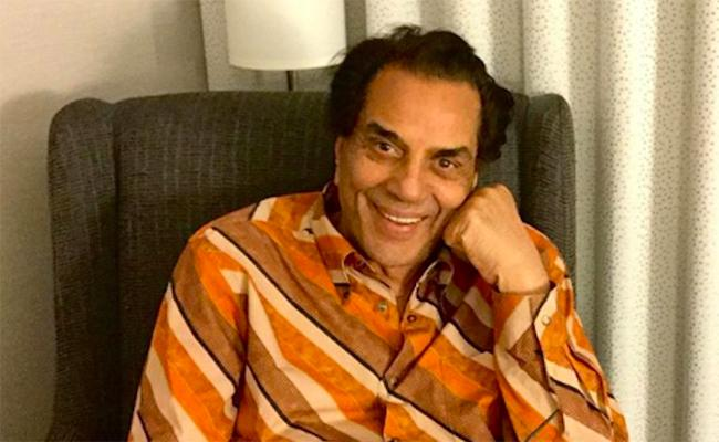 Dharmendra Comments About Hema Malini Attempt Clean Parliament Complex - Sakshi