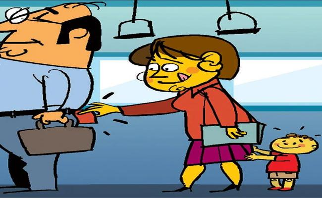 Lady Pickpocketer Arrested For Stealing Money From Bus Conductor In Guntur - Sakshi