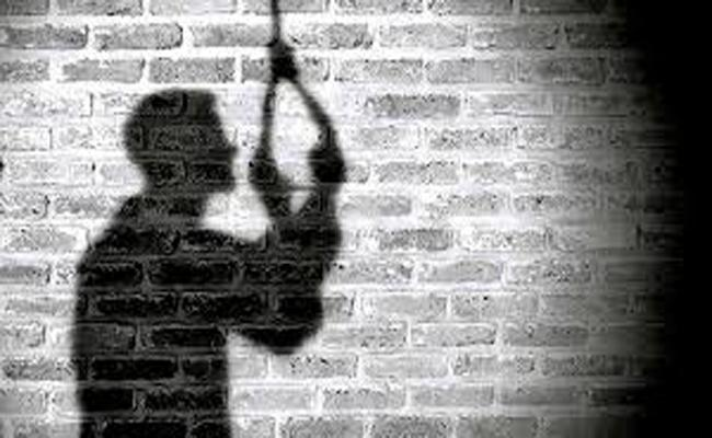 5 People Died With Suicide In Nizamabad - Sakshi
