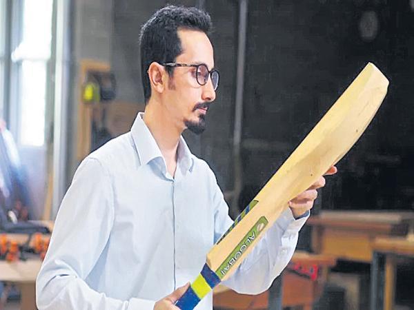 Scientists develop algorithm for cricket bat - Sakshi