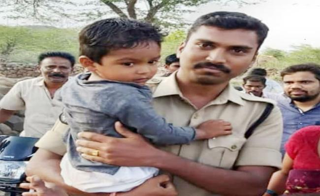 Boy Forgot His Home Road And Walked About 6 kilometers In Putluru, Anantapur - Sakshi