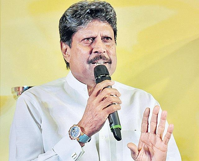 Panel Led By Kapil Dev to Pick Head Coach And National Selectors - Sakshi