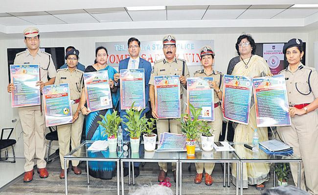 Mahender Reddy Inaugurates NRI Women Safety Cell - Sakshi