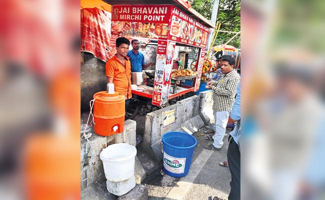 GHMC Challans to Street Food And Merchants Without Dustbin - Sakshi