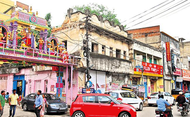 Special Story on Old Buildings in Hyderabad - Sakshi
