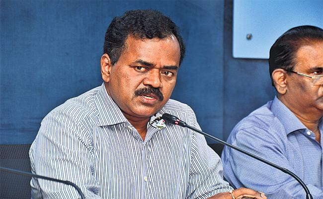 No Water Problems in Hyderabad Said GHMC Commissioner - Sakshi