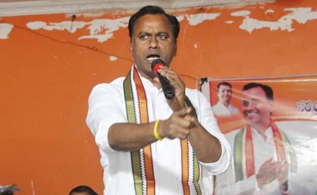 Komatireddy Rajagopal Reddy Fires On KCR - Sakshi