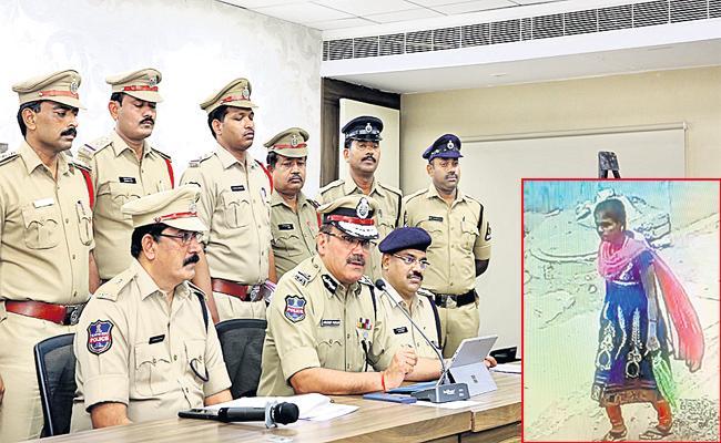 Woman Arrested in Hyderabad Children Kidnap Case - Sakshi