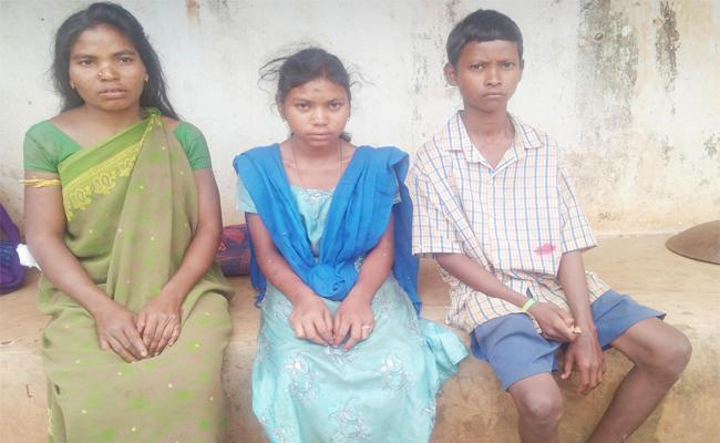 Maoist Killed Tribal Mens in Visakhapatnam - Sakshi