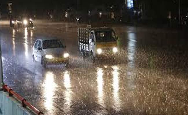 Rains Falling In Hyderabad - Sakshi