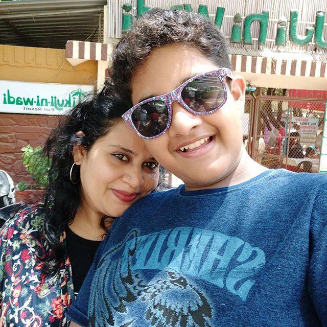 Child Actor Killed Parents Injured In Road Accident In Chhattisgarh - Sakshi