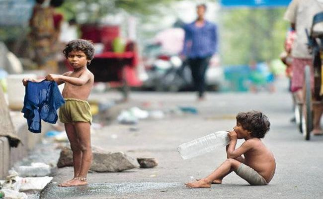 NGOs use Orphan Children For Begging in Hyderabad - Sakshi