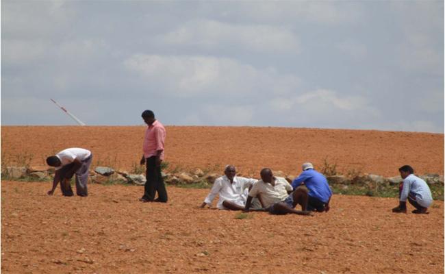 Hunting For Diamonds In The Vajrakaruru Area - Sakshi