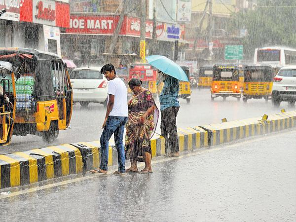 A moderate rainfall in the state for three days - Sakshi