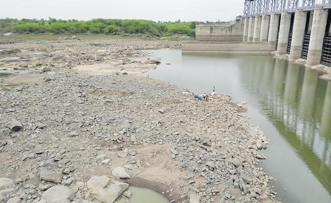 Babli Gates Are Opened On Godavari River - Sakshi