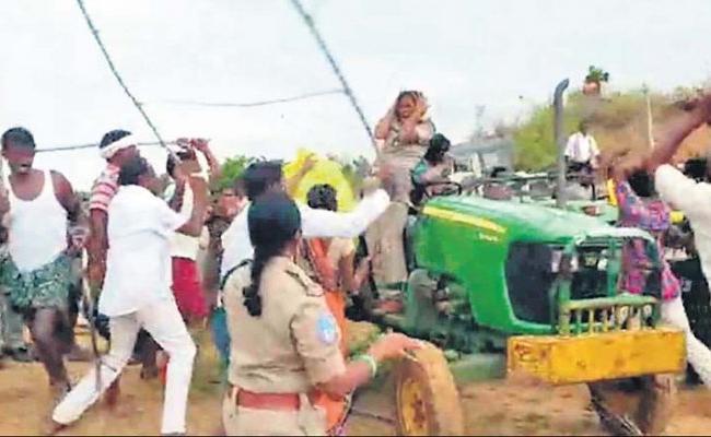 TRS Leader Krishna Rao Attack On Forest Officer At Sirpur - Sakshi