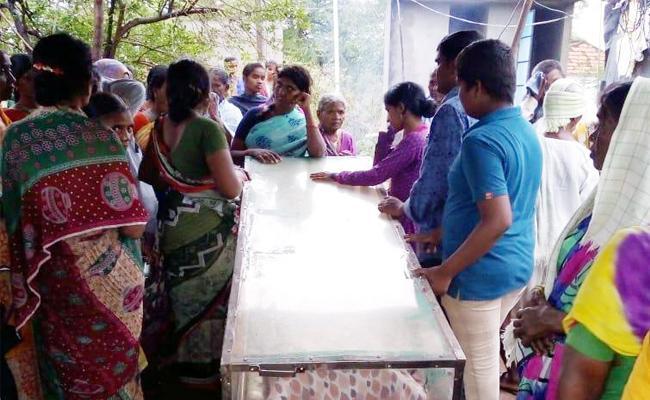 A Person Died In Road Accident In Karimnagar - Sakshi