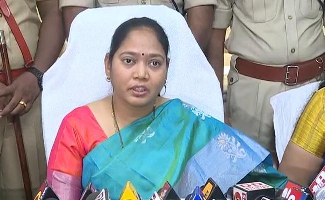 Mekathoti Sucharitha Opens New Fire Station In Vijayawada - Sakshi