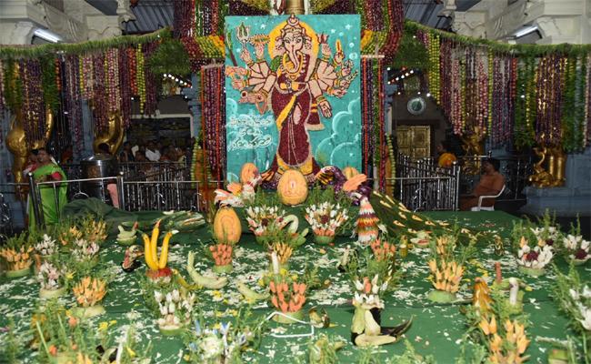 Rajarajeshwari Was Appealed In Shakambari Devi In Nellore Rural - Sakshi