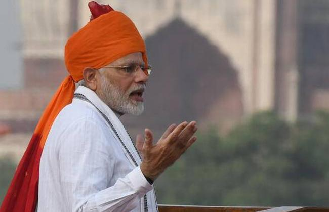 PM Modi Invites Suggestions for His Independence Day Speech - Sakshi