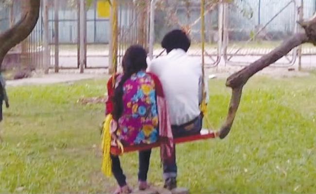 Wife Killed Husband With Her Boyfriend in Tamil Nadu - Sakshi