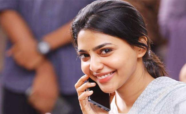 Actress Meera Mithun Get Advance Bail From Madras Court - Sakshi