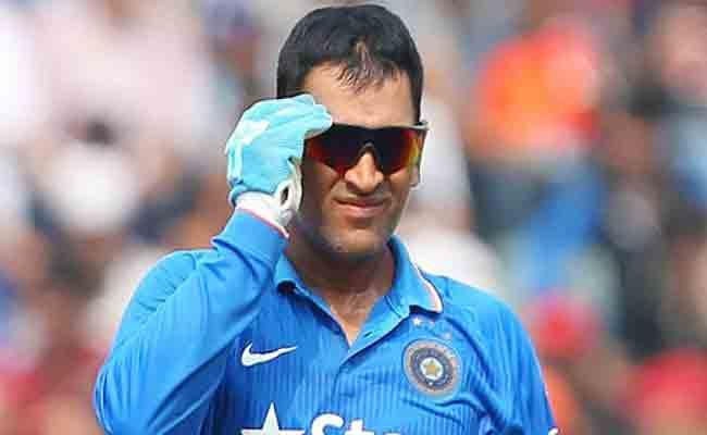 Sanjay Jagdale Says Teamindia Has No Viable Alternative To Dhoni - Sakshi