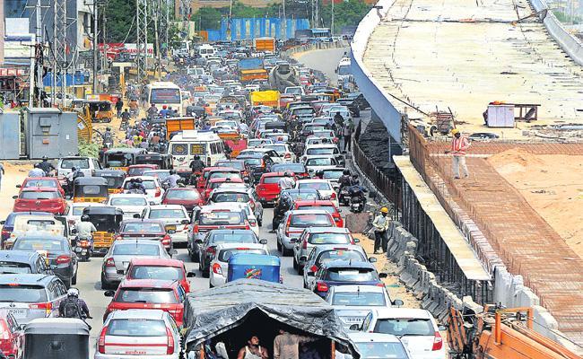 GHMC Team Vist Karnataka For Traffic Signals Awareness - Sakshi